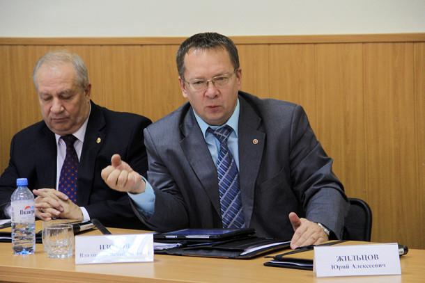 Депутата Вадислава Изотова крайне беспокоят вырастающие со скоростью грибов свалки Фото из архива редакции