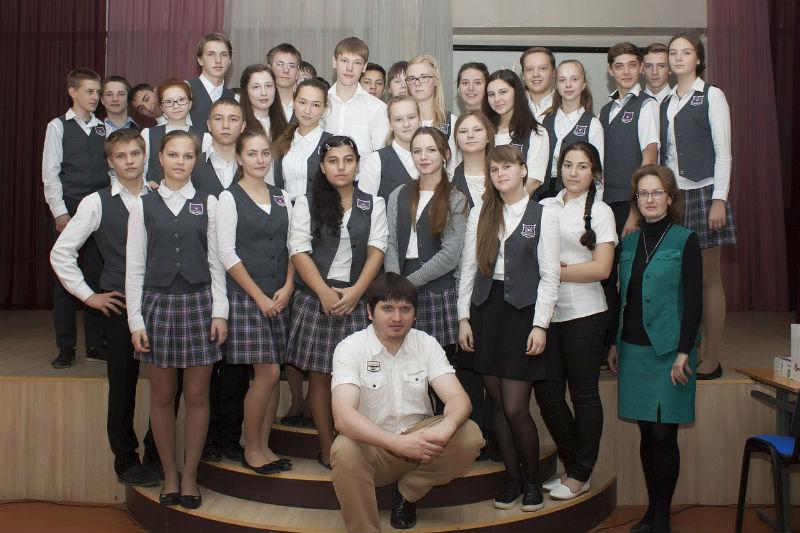 Антон Рукосуев и ученики школы № 4