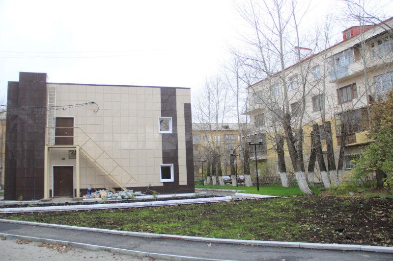 Обещанной детской площадки жители дома так и не дождались Фото Марии Поповой