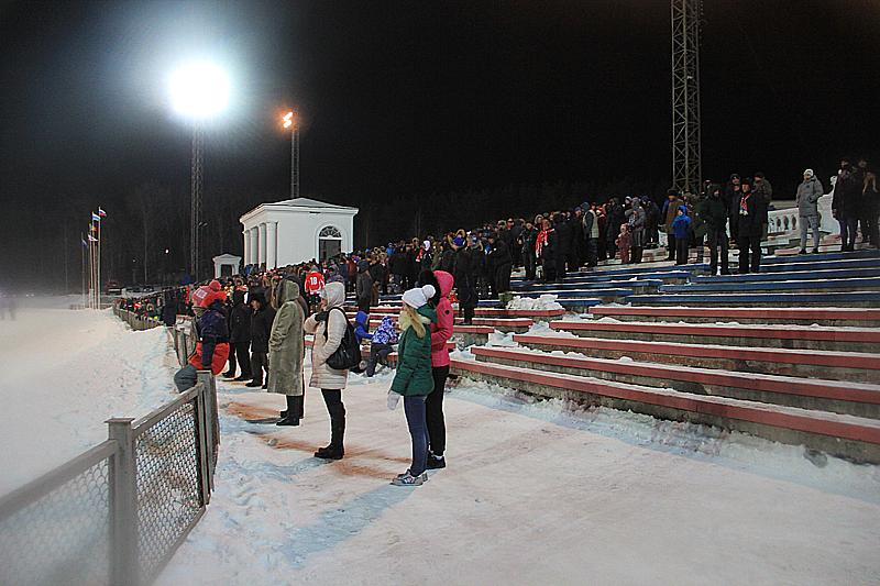 Всего на игре было 2700 болельщиков Фото Анны Неволиной