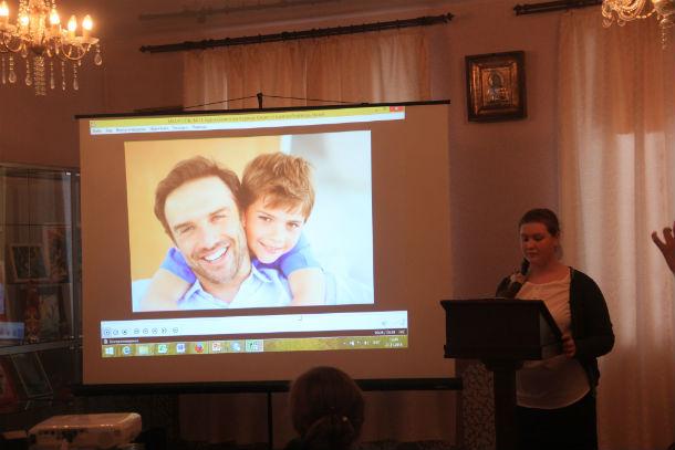 """Карина Нурмухаметова представила видеоролик """"Какую семью выбираешь ты"""" Фото Анны Неволиной"""