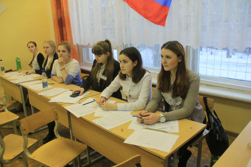 Избирательный участок в школе № 5 Фото Анны Неволиной