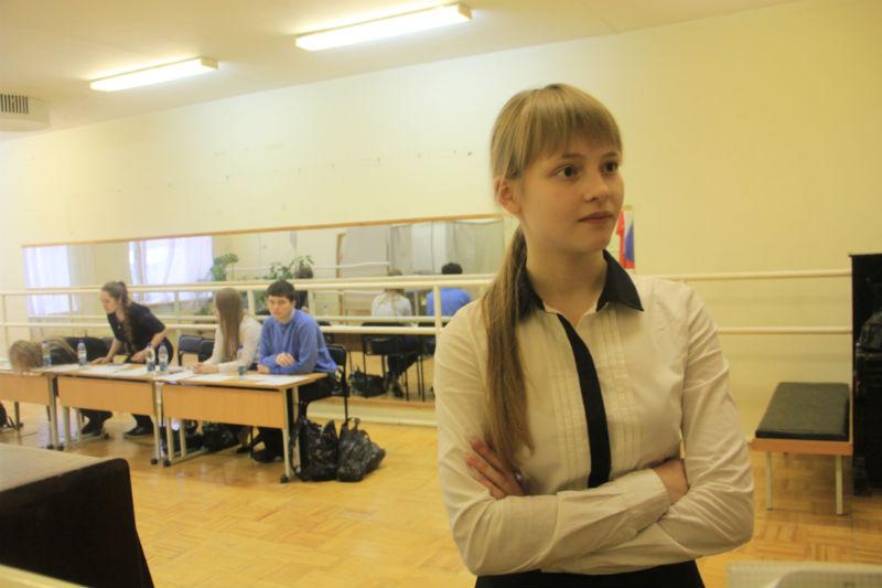 Председатель избирательного участка Алена Хромцова Фото Анны Неволиной