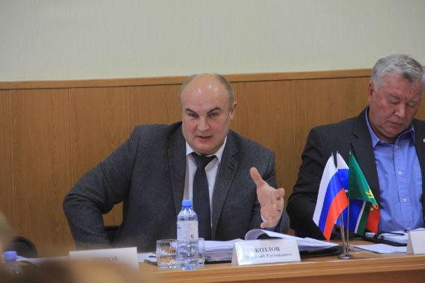 Никрлай Козлов предложил вернуться к рассмотрению вопроса о капремонтах в январе Фото Анны Неволиной