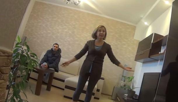 Женщина вместе с ребенком живет в Уфе, в Первоуральск приехала «разобраться»