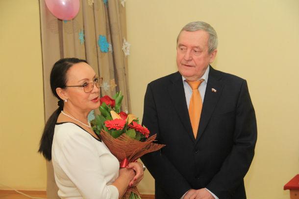 Галина Круговых поздравляет своего друга Фото Анны Неволиной