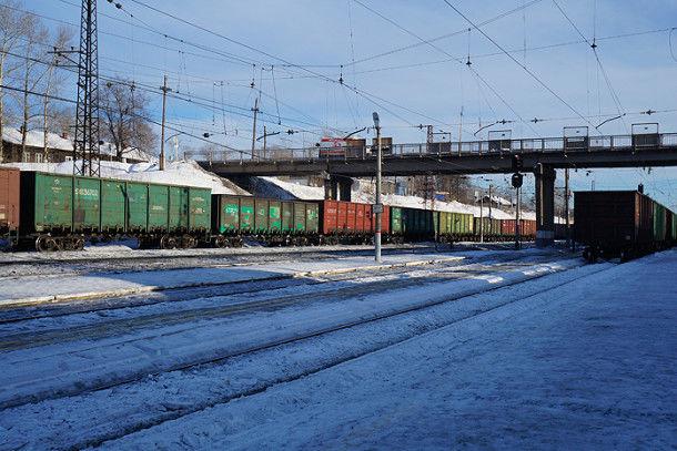 Сейчас на станции Кузино тихо и мирно. Но утром здесь работали пожарные, путейцы и МЧС Фото Марии Поповой