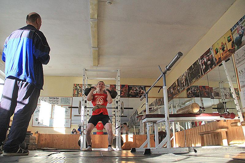 В Первоуральске прошло первенство города по гиревому спорту. Фото