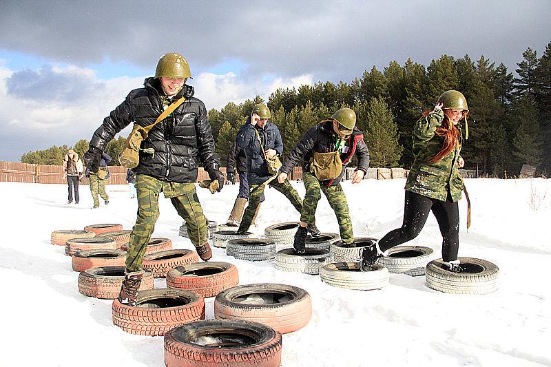 В Первоуральске на автодроме ДОСААФ прошла военизированная игра — «Зарница». Фото