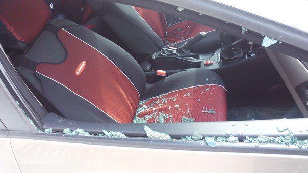 Так выглядел салон автомобиля Дмитрия Ярцева наутро после урагана Фото предоставлено Еленой Ярцевой