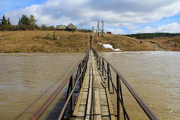 Жители поселка Новоуткинск первыми оказались в плену водной стихии Фото Анны Неволиной