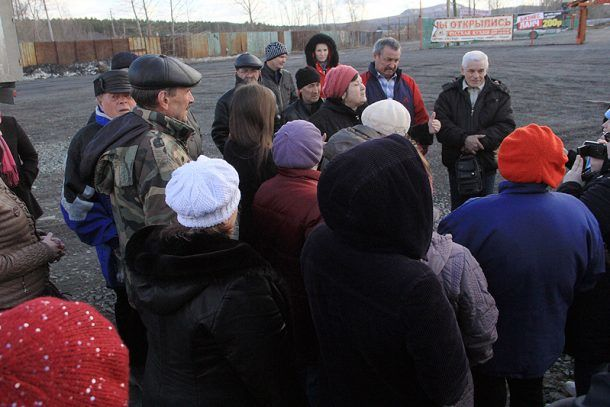 Жители улицы Талица негодуют, что полисадники надо сносить  Фото Анны Неволиной