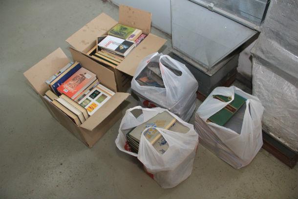 """В скором времени """"Городские вести"""" привезут в ИВС еще больше книг  Фото Анны Неволиной"""
