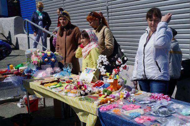 В Первоуральске прошла благотворительная ярмарка в поддержку двух маленьких горожанок  Фото Ольги Хмелевой