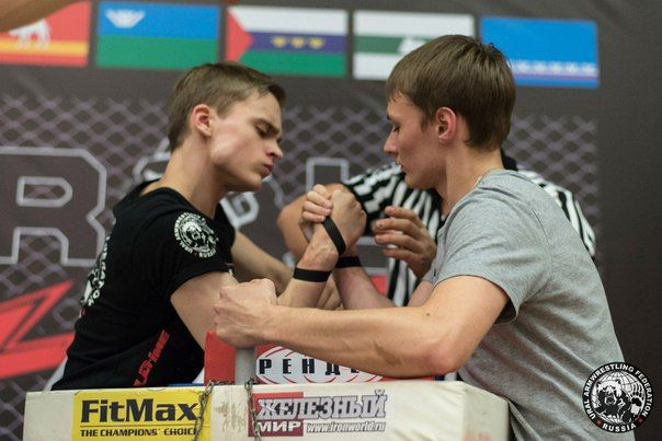 Иван Феофилактов слева