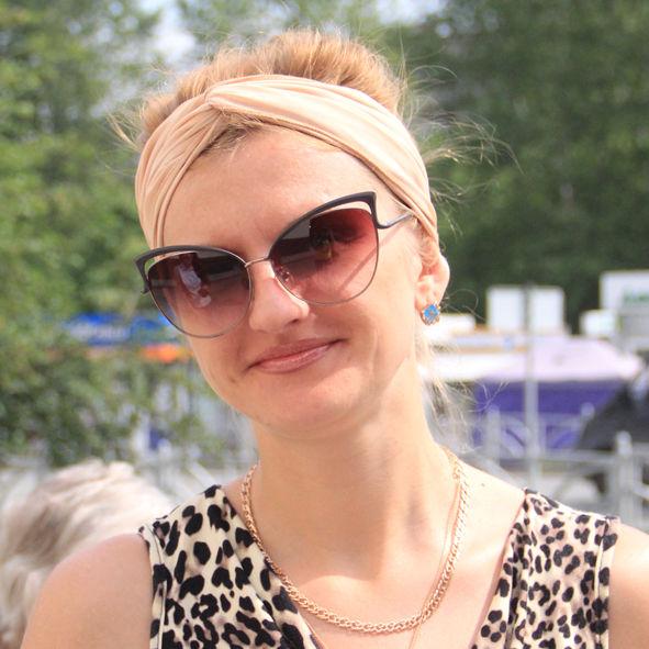 Елена Глушкова, банковский работник