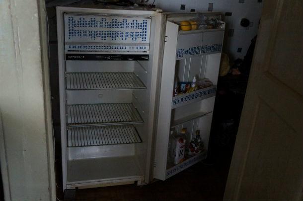 Холодильник без электричества тоже работать не хочет  Фото Ольги Хмелевой