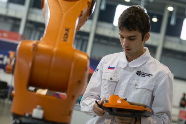 В «промышленной робототехнике» третье место и бронзовую медаль завоевал Максим Мельников  Фото предоставлено пресс-службой ЧТПЗ