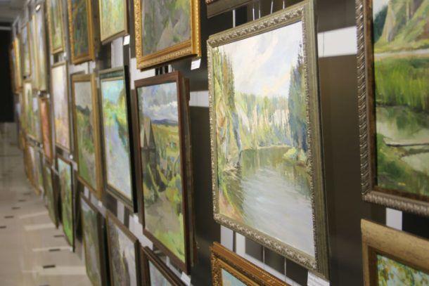 Пленэр, итогом которого стала выставка, продолжался 10 дней июля. Участие в нем приняли профессиональные художники со всей России. Фото Екатерины Каладжиди