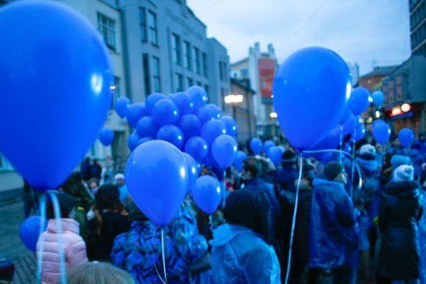 Петербург 2 апреля подсветят синим