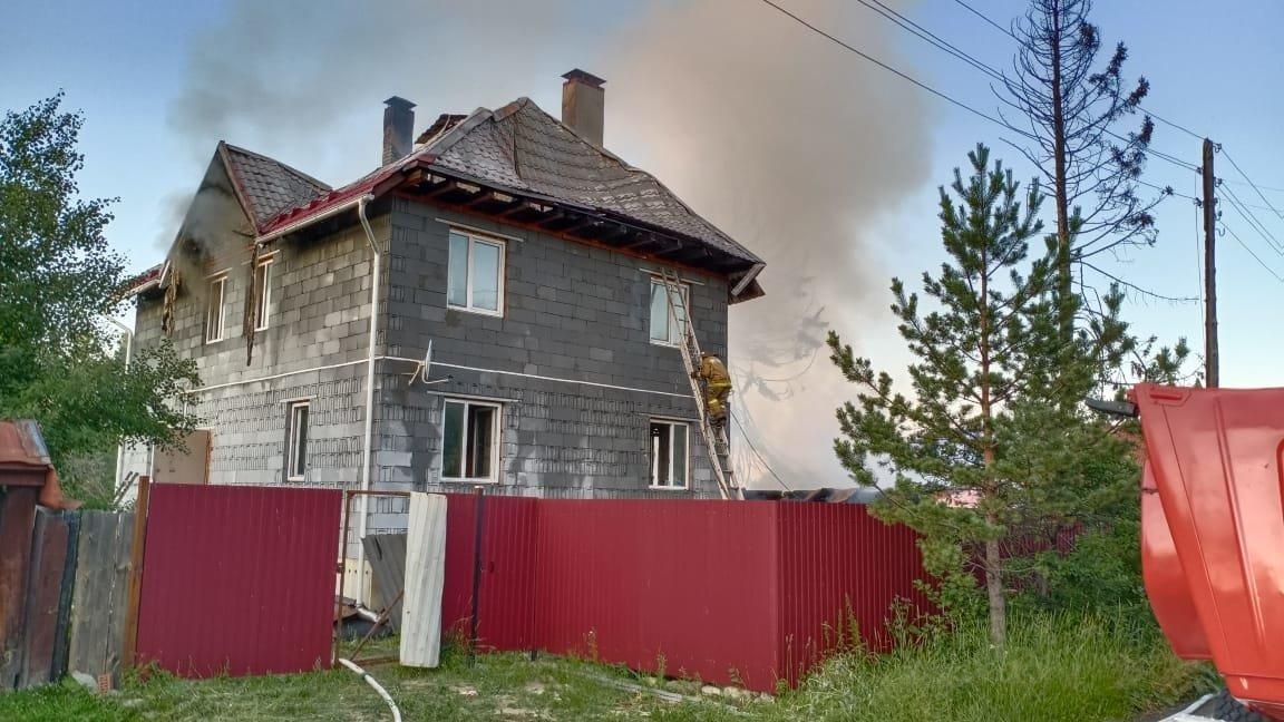 pozhar-v-gorodskom-okruge-pervouralsk_159466074545493771__2000x2000